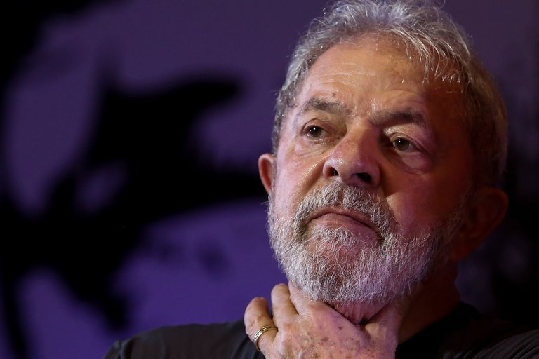 Brazilian judge issues arrest warrant against ex-president 'Lula'