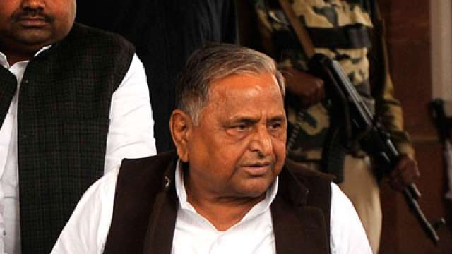 I'm SP chief, party symbol should stay with me: Mulayam to EC