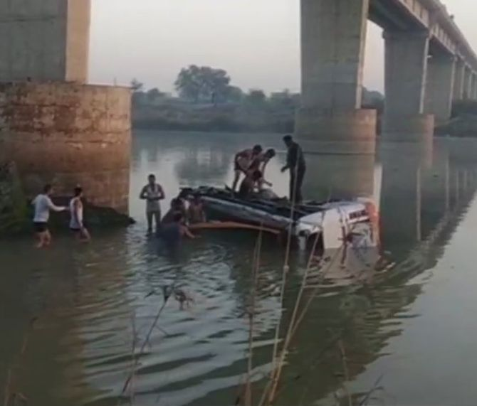 32 killed as bus falls off bridge into river in Sawai Madhopur, Rajasthan