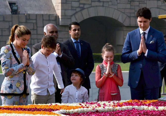 Trudeau pays tribute to Mahatma Gandhi at Rajghat