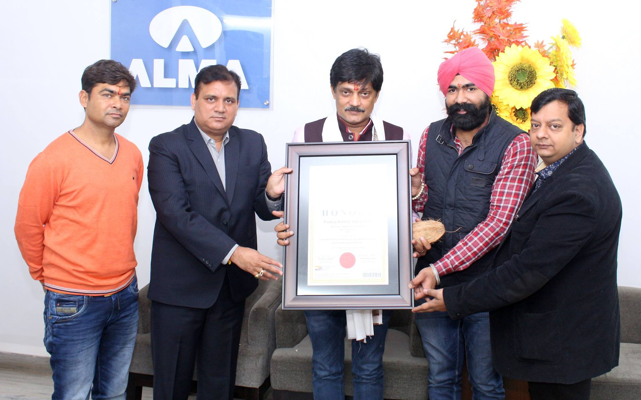 Pankaj Kumar Ojha of Kota (Rajasthan) gets honoured by World Book of Records
