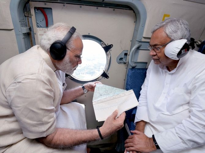 PM makes aerial survey of flood-hit Bihar; announces Rs 500 cr