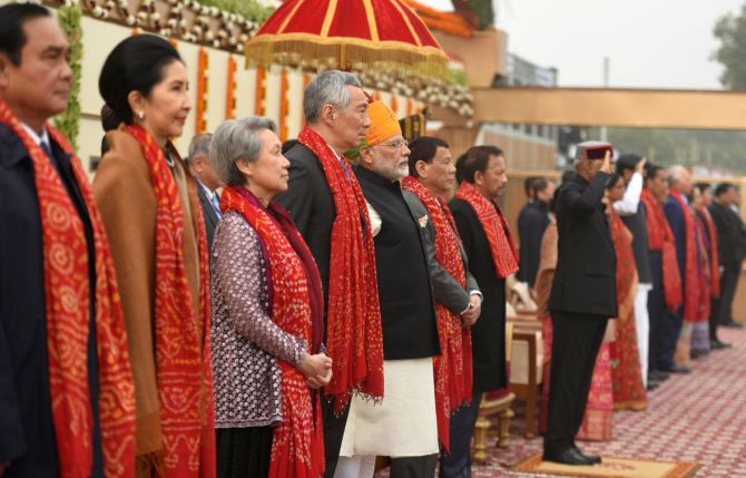 India marks 69th R-Day with grand parade; ASEAN leaders attend as chief guests
