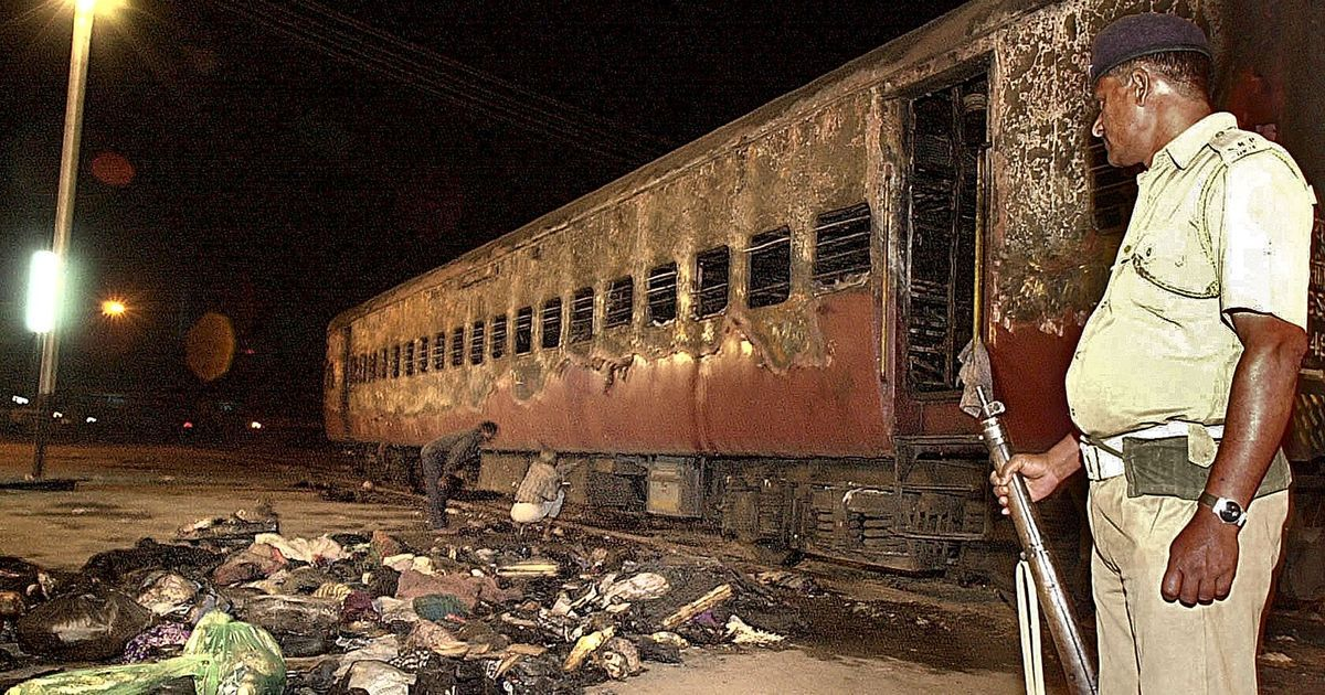 2002 Godhra train burning case: Gujarat high court commutes death for 11 convicts to life in prison