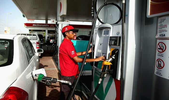 Consumers, petrol pump owners won't pay surcharge on card payments: Dharmendra Pradhan