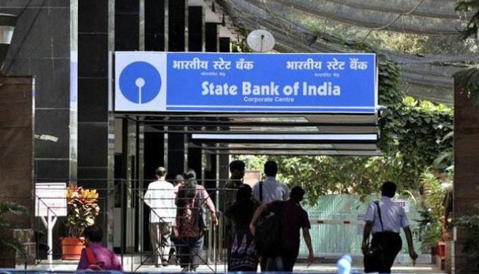 Rs 5,000 minimum balance requirement: SBI starts deducting charges; cheque books, locker charges go up