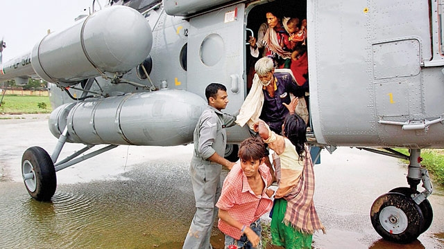 Gujarat floods: Army's Golden Katar Division, IAF at rescue operations