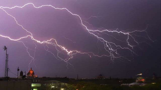 IMD issues thunderstorm alert in Delhi NCR