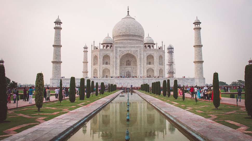 Either preserve Taj Mahal or demolish it or we will shut it down, SC lashes out at government