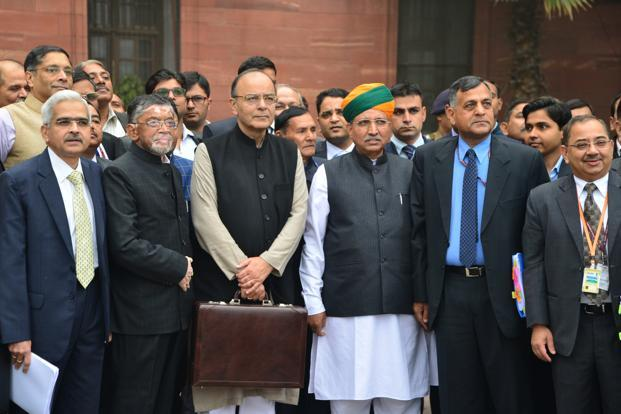 Budget 2017 LIVE: NO TAX ON INCOME UP TO RS 3 LAKH, 5% TAX ON INCOME UP TO RS 5 LAKH