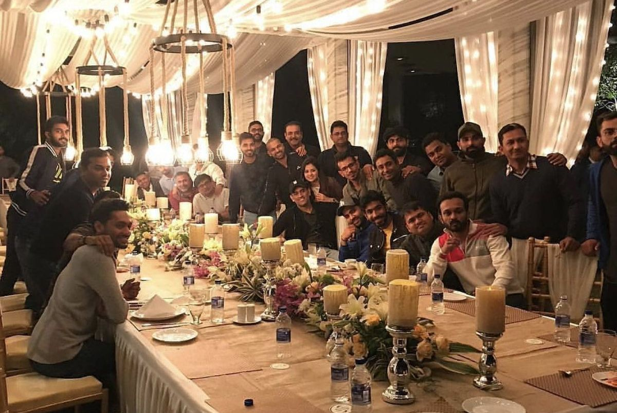 MS Dhoni, wife Sakshi host grand dinner for Team India at Ranchi home
