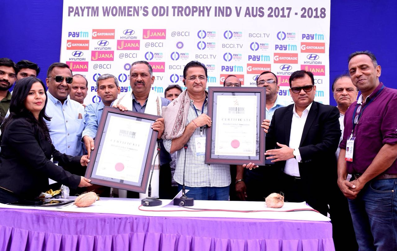Baroda Cricket Association of Vadodara (India) creates World Record in organizing largest chain of women holding hands (Shakti Chakra)
