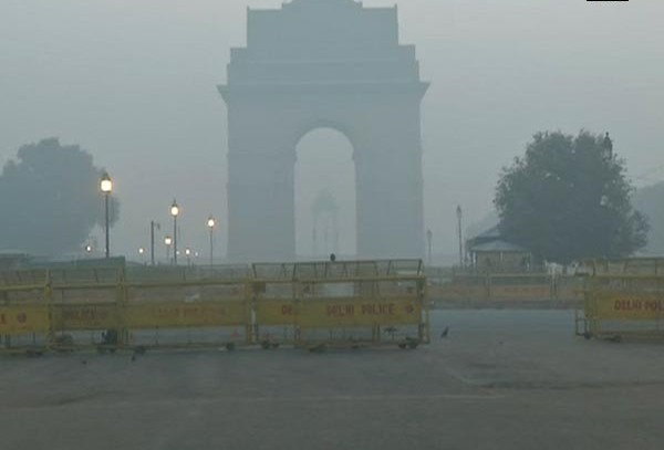 Delhi chokes for oxygen as air quality slips to 'hazardous'