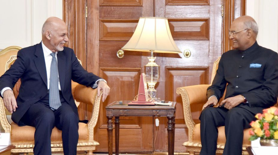 Afghan President meets Indian counterpart