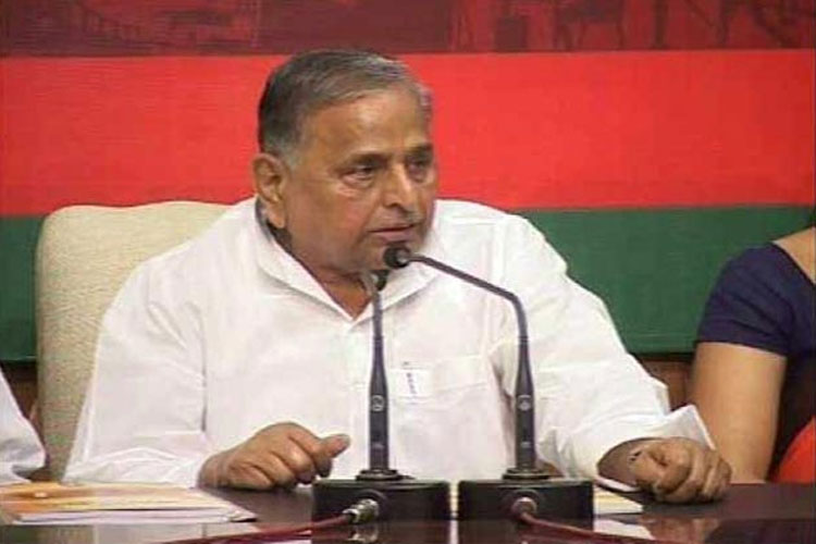 Elected MLAs will decide new UP CM after election, says Mulayam Singh