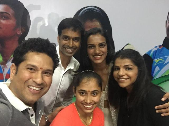 Sachin presents BMW cars to Sindhu, Sakshi, Dipa, coach Gopichand for Rio feat