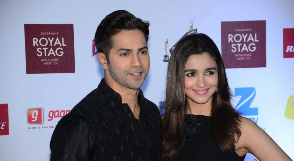 Varun Dhawan and Alia Bhatt in Radio Mirchi Music Awards