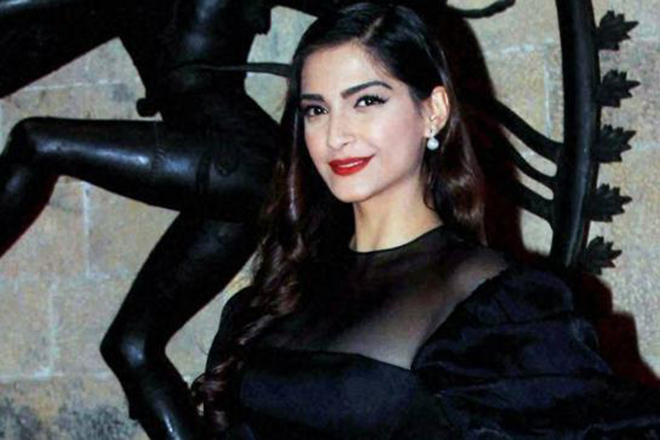 My professional and personal life is going brilliantly: Sonam Kapoor