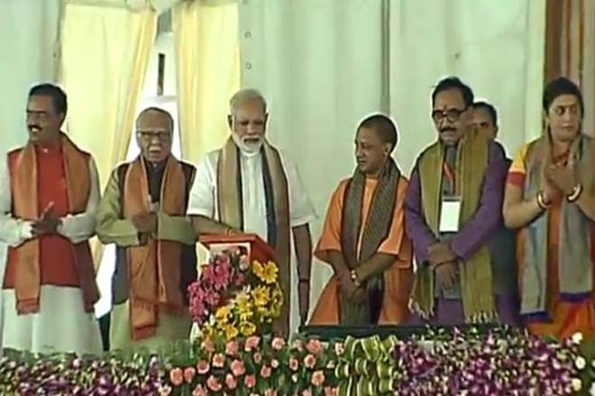 Narendra Modi in Varanasi : PM inaugurates 17 projects at one go