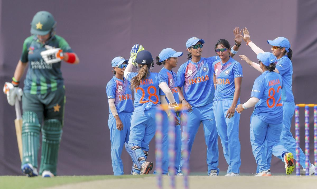 Dominant Indian women crush Pakistan by 7 wickets