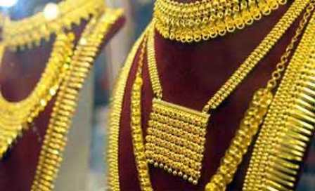 Gold hits 28-month high, rises above Rs 31,000