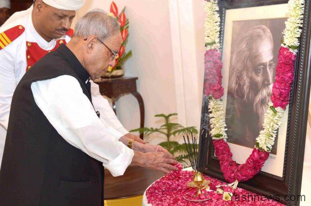 President pays floral tributes to Tagore on his birth anniversary