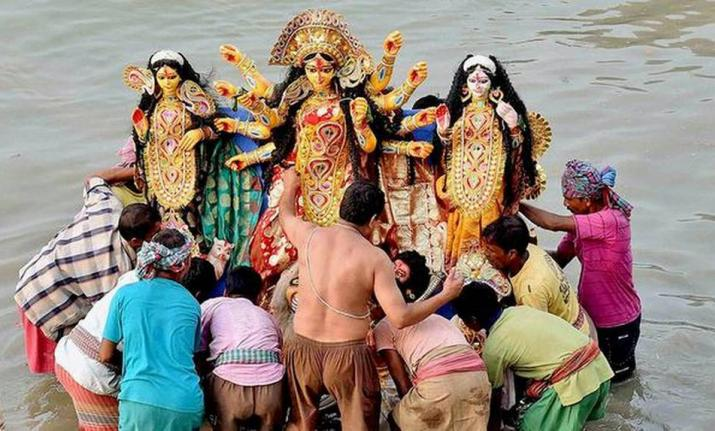 Calcutta High Court revokes Mamata Banerjee's Durga idol immersion order