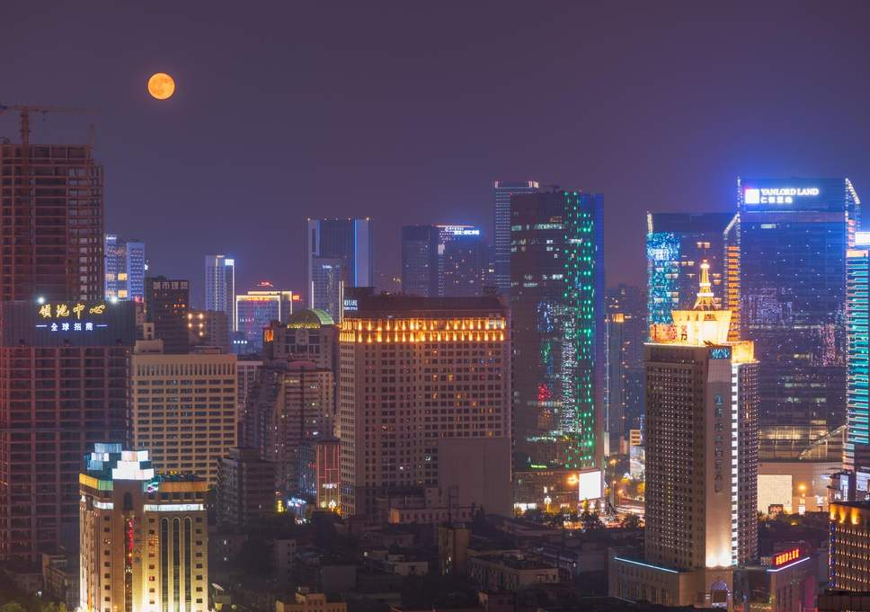 China plans to 'launch its own artificial moon' by 2020