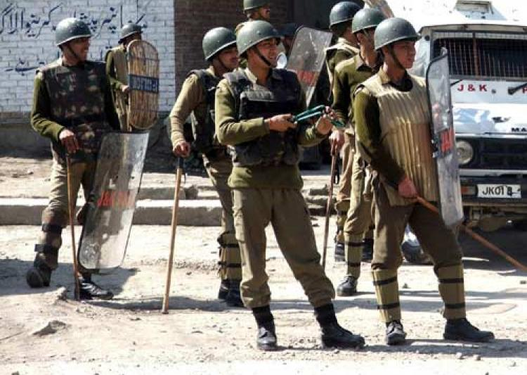 LeT terrorist held with arms from north Kashmir's Bandipora
