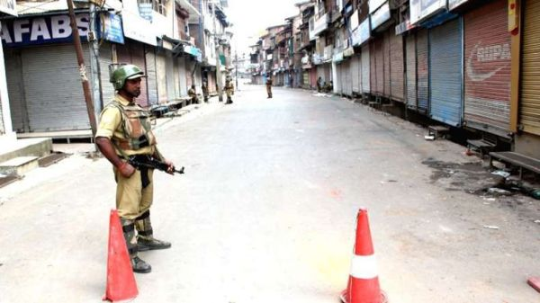 Curfew continues in many parts of Kashmir