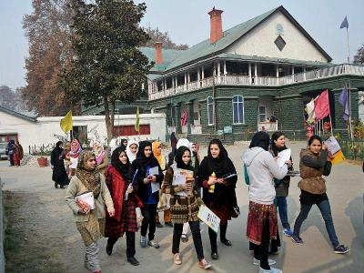 Kashmir springs back to life, shops and offices open after four months