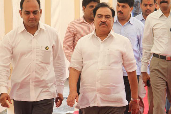 Maha minister Khadse meets CM Fadnavis, resigns over graft charges: Reports
