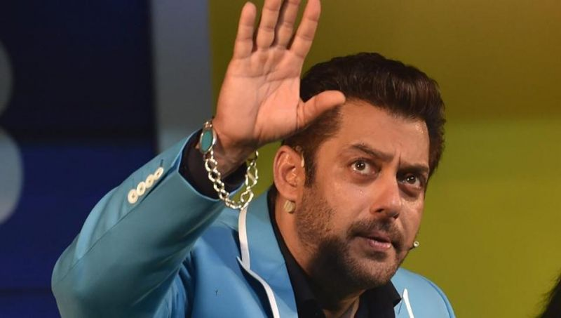 Salman Khan turns 52, B-town wishes Salman Khan year full of happiness