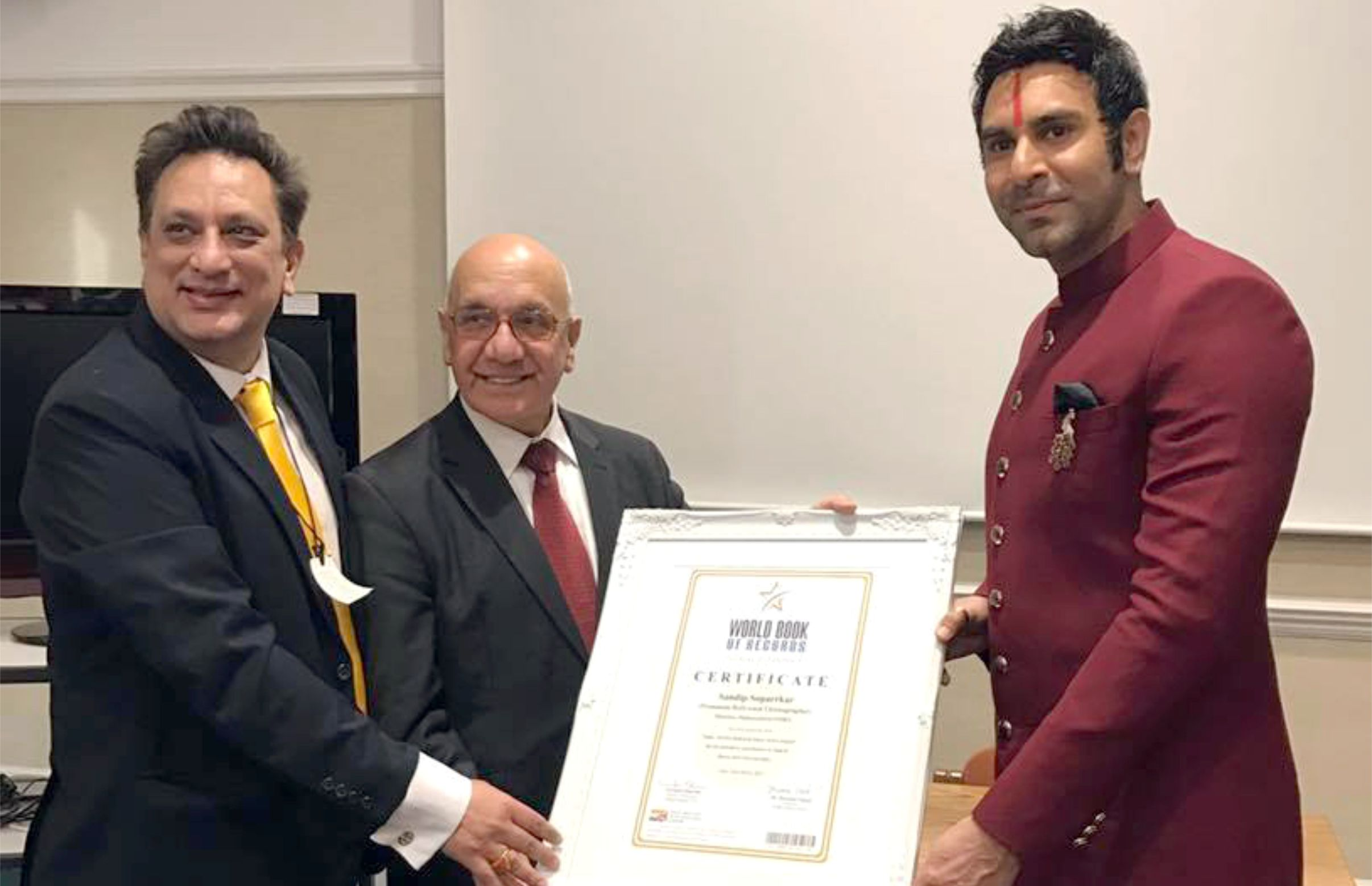 MP Virendra Sharma honours Sandip Soparrkar by World Book of Records in British Parliament