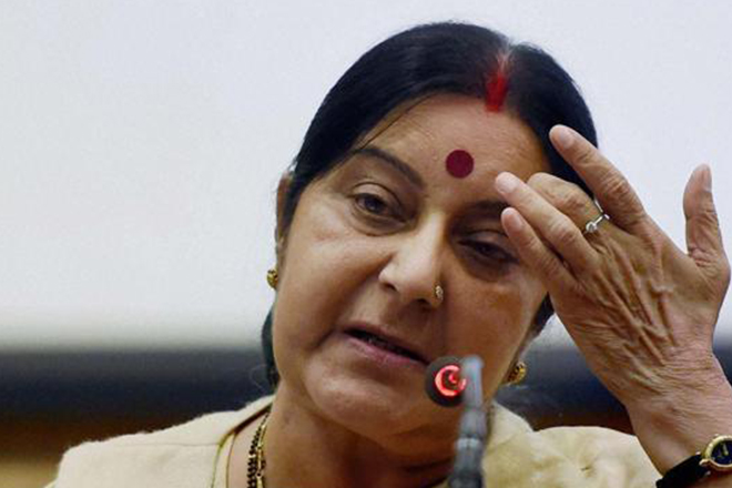 Sushma takes up Israeli woman rape case with HP chief minister